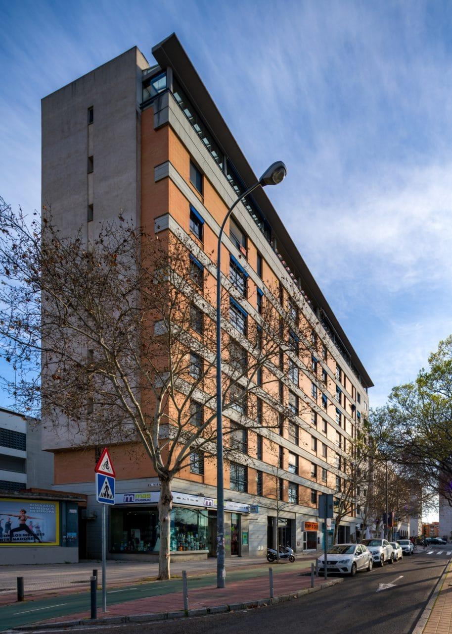 Vista lateral del edificio