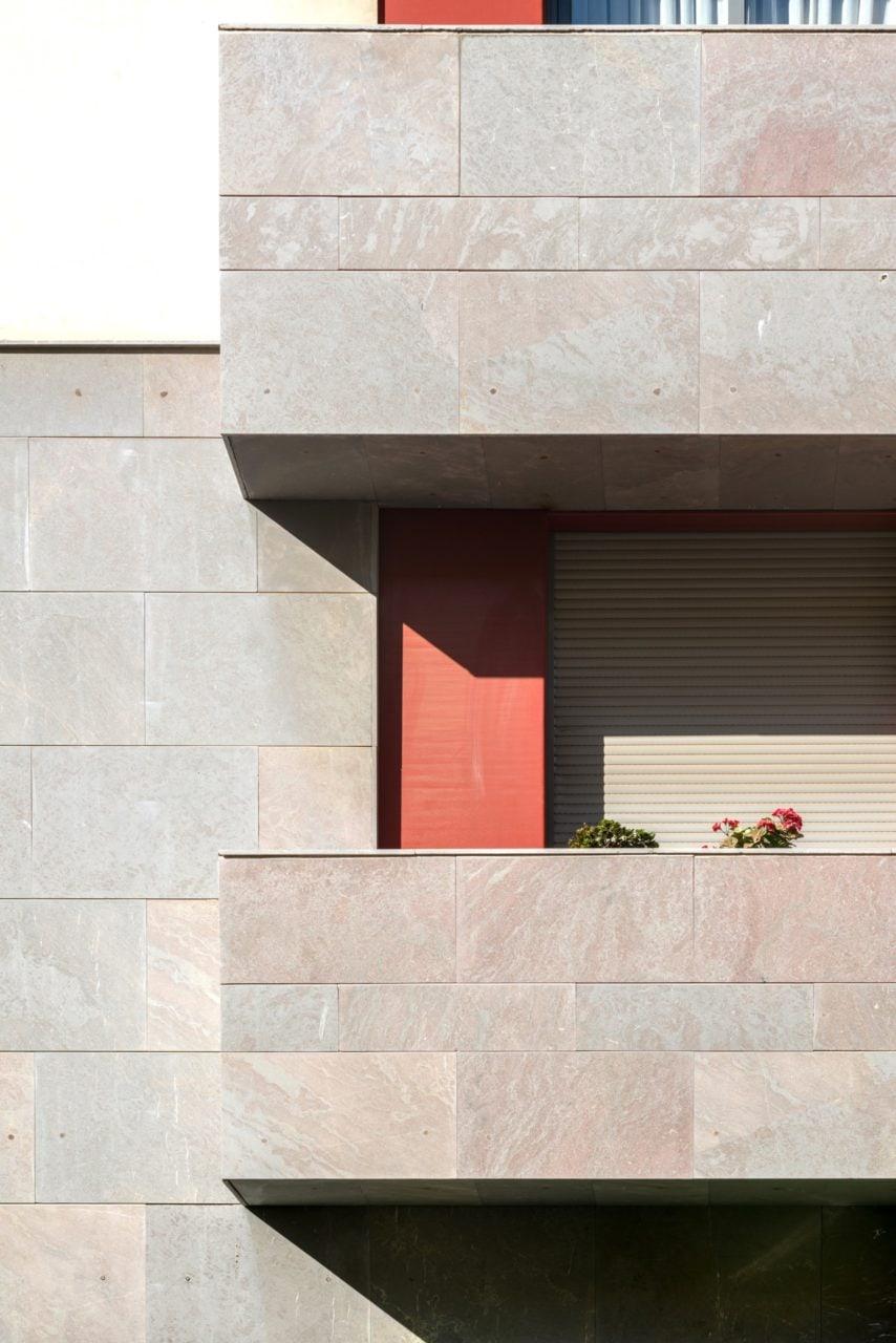 Detalle de una de las terrazas del edificio