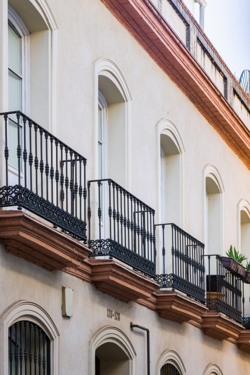 Detalle de los balcones del edificio