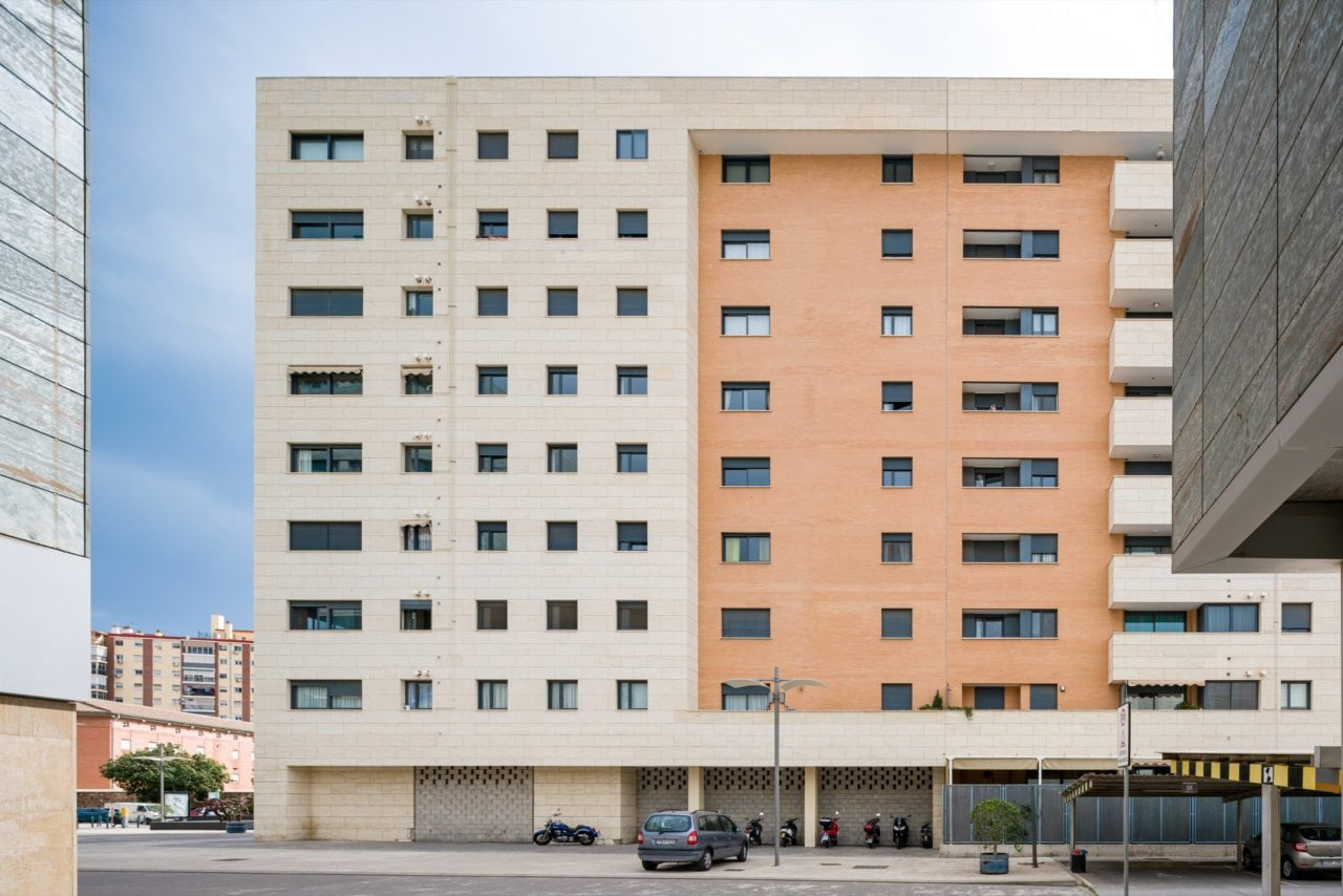 Vista de una de las fachadas del edificio