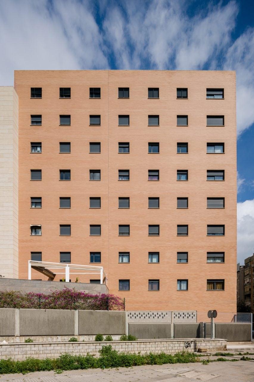 Fachada lateral del edificio
