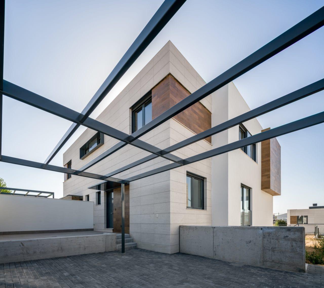 Vista exterior de una de las viviendas unifamiliares del programa Boadilla Essence