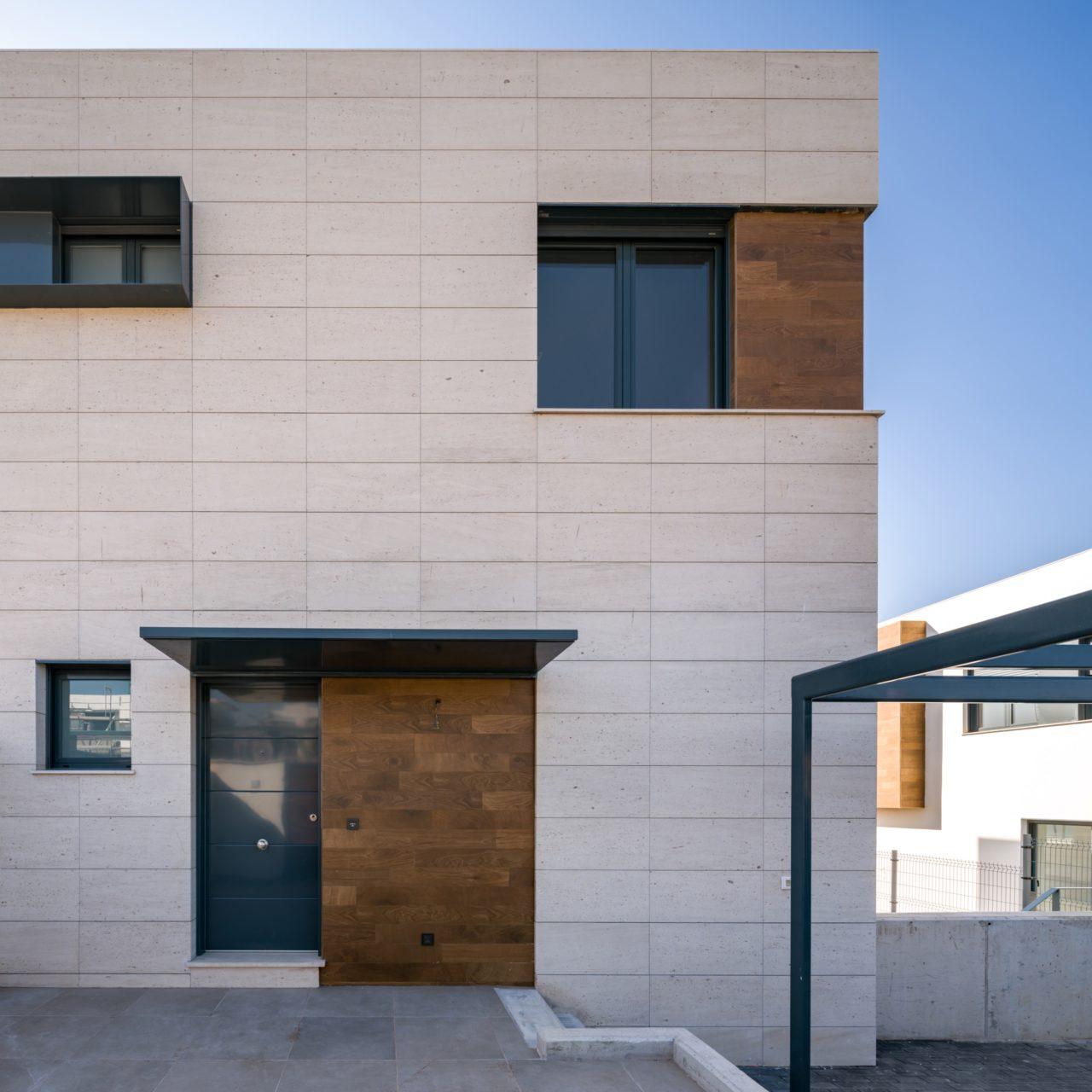 Vista en detalle del acceso a una de las viviendas