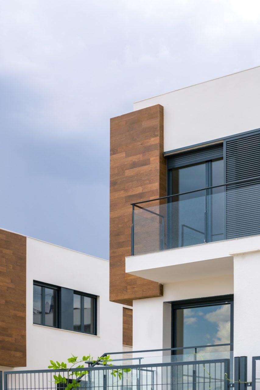 Detalle del balcón de una de las viviendas