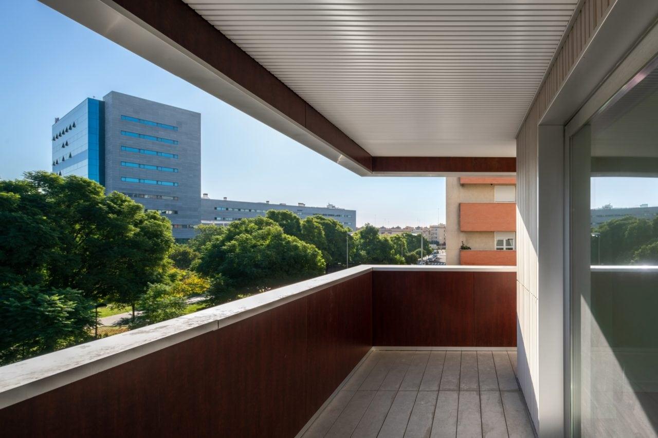 Vistas desde una de las terrazas en esquina del complejo residencia