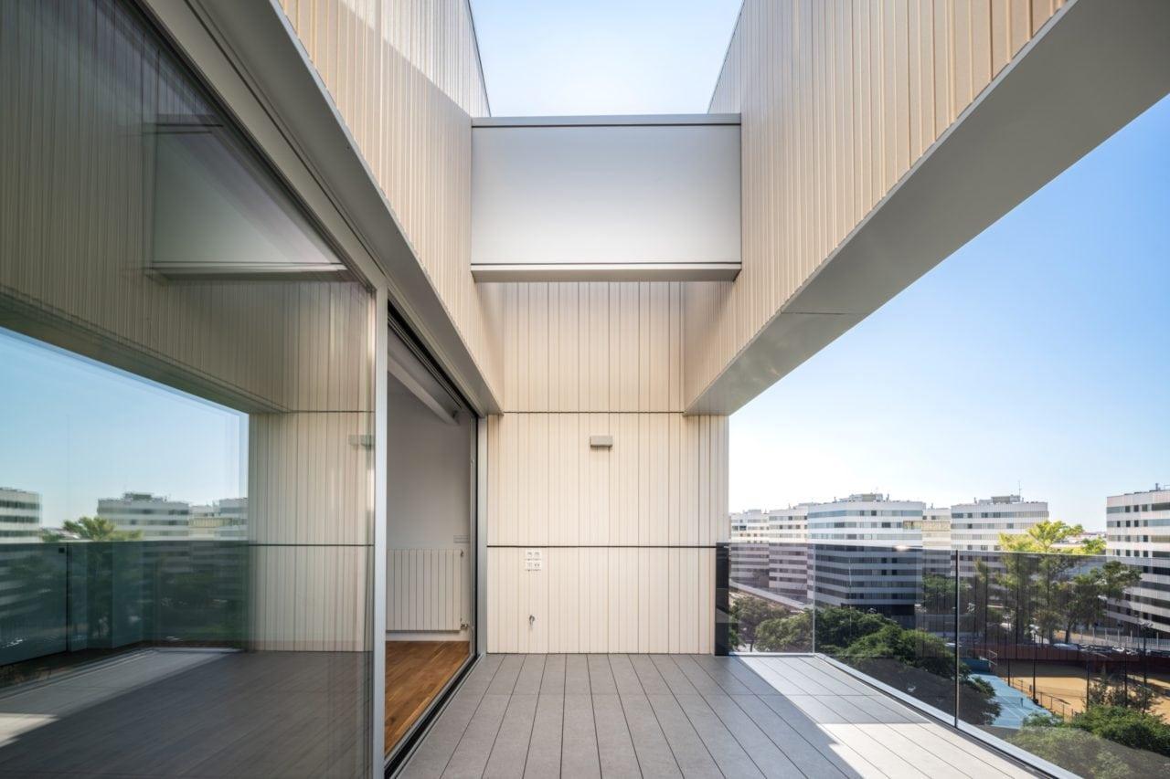 Detalle constructivo de una de las terrazas del piso superior