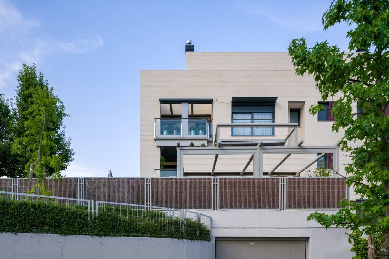 Detalle de las terrazas de uno de los bloques