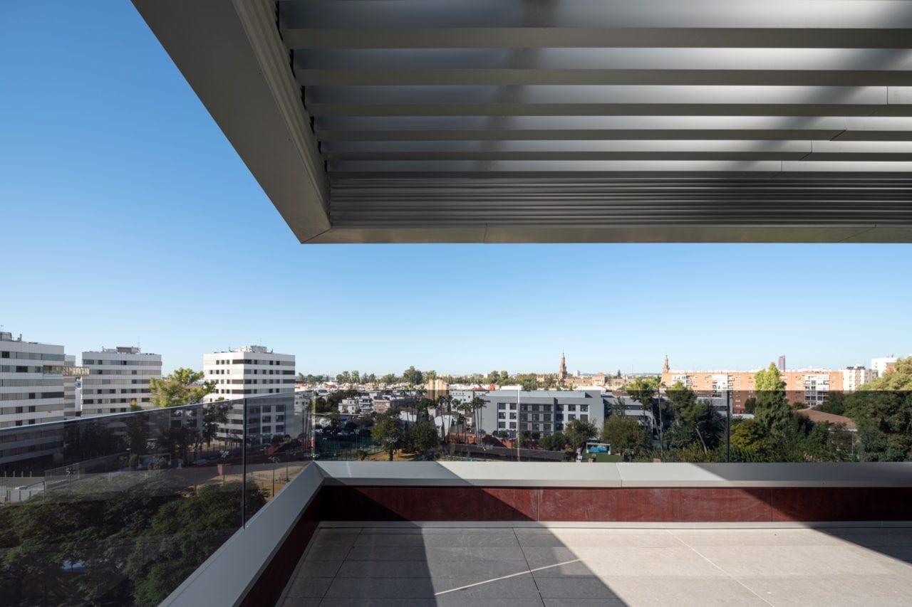 Mirada al futuro desde una de las terrazas del Edificio Aniversario