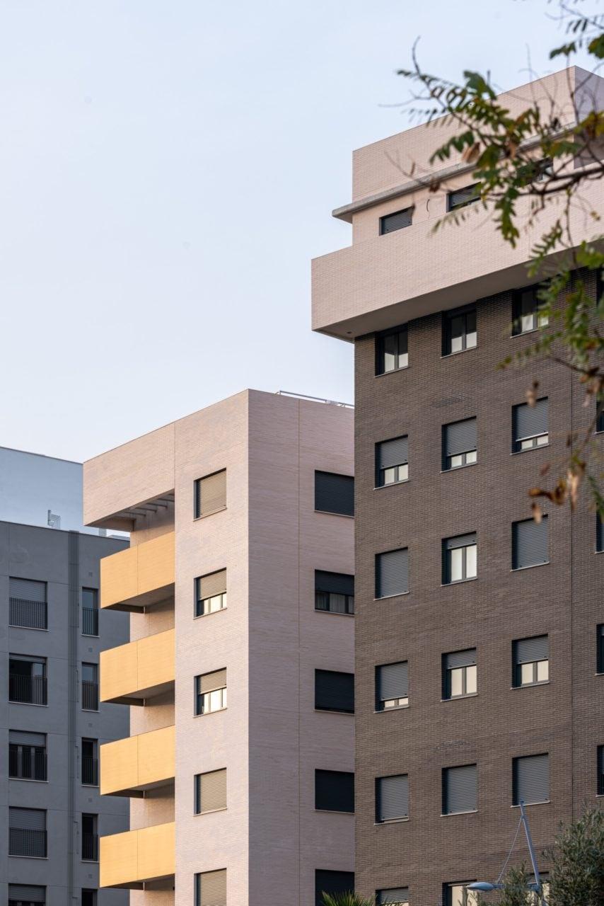 Detalle de las plantas superiores de una de las esquinas del complejo residencial