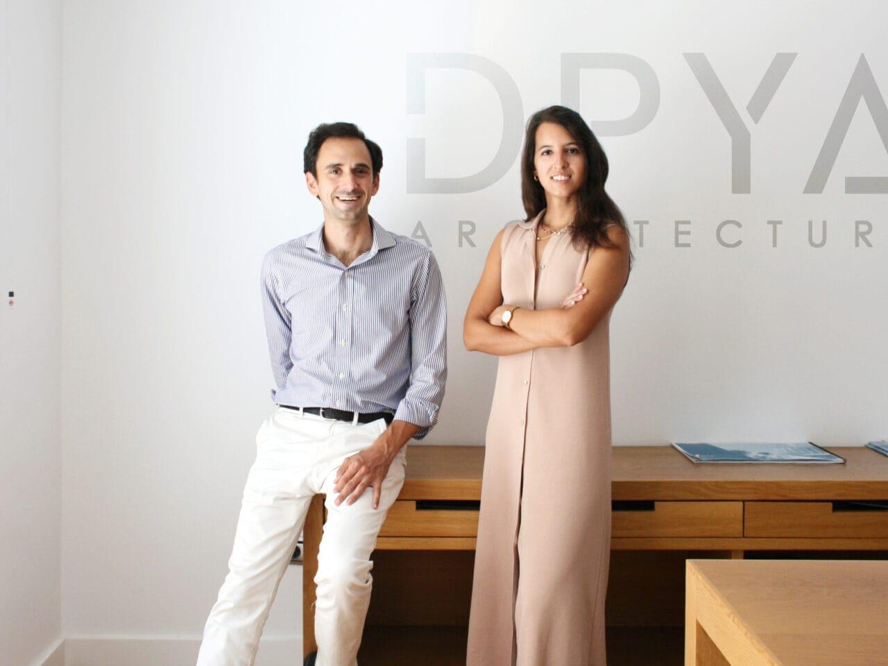 Elena Jiménez y Abelardo Linares en el estudio de DPYA Arquitectura